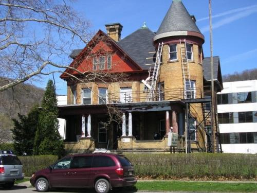 Braendel teams bringing beauty back to this old home during the restoration process.